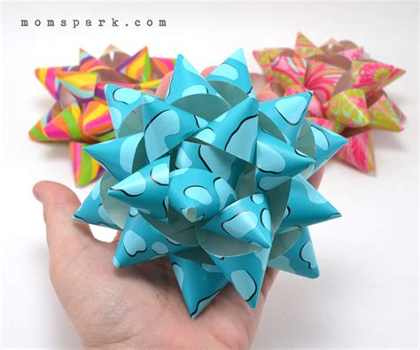 How To Make A Bow From Wrapping Paper - diy paper gift bows spark
