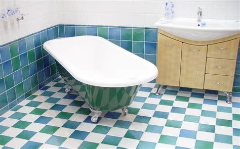 colori piastrelle bagno piastrelle bagno come scegliere colori materiale e forma