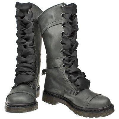 Boot E Sapi 88 dr martens triumph boot black dr martens black and clothes