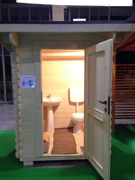 casetta in legno con bagno casette in legno prefabbricate casette da giardino