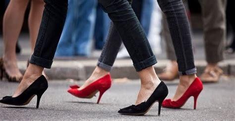 como caminar con tacones altos sin dolor 2 beliefnet