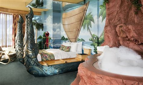 West Edmonton Mall Hotel Themed Rooms by Pin By Liz Elias On Travel And Cing