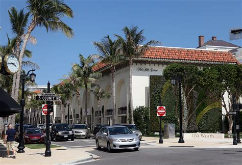 worth avenue palm beach tour worth avenue one of the town s most