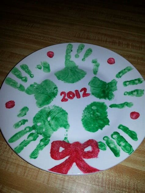wreath handpainted plate christmas craft arts n crafts