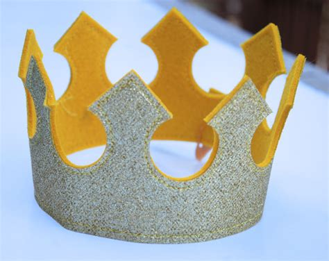 pattern for felt birthday crown king crown knight crown prince crown felt by
