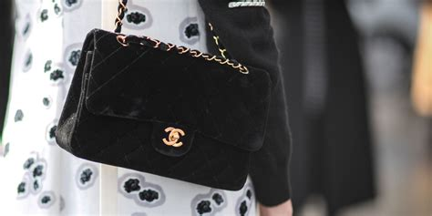 Tas Chanel Coco Top Handle Caviar Mini Hitam Ac1147 the best investment bags to buy chanel prada