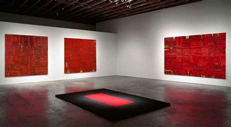 Room De la tumba de la reina roja from reality to abstraction
