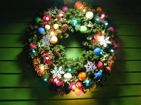 lighted wreath jigsaw puzzle in christmas new year