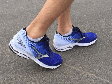 how to tell what running shoes you need do you need a support shoe how to choose running shoes