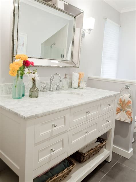 25 best ideas about white vanity bathroom on white bathroom cabinets bathroom