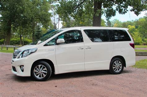 lexus minivan 2013 toyota alphard 02 photo 316801 automotive com