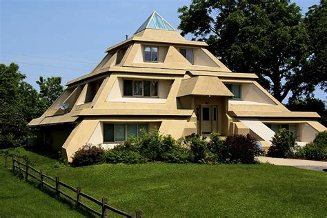 photos of houses pyramid house jpg photos