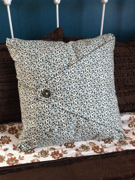 Sew Pillow Cover by No Sew Pillow Cover Botones Agujas Hilos Y Dedal