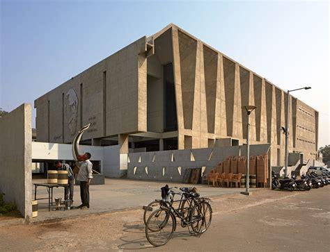 Balkrishna Doshi, VSF, Edmund Sumner · Tagore Memorial Hall · Divisare