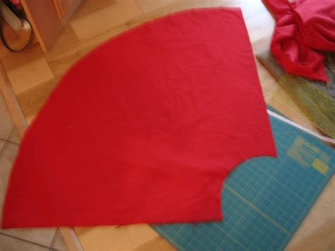 How To Make A Cape Out Of Paper - how to make a cape the pink apron