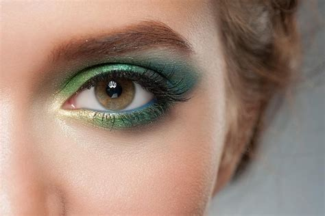 7 Makeup Tips For by 10 Amazing Makeup Tips For Brown
