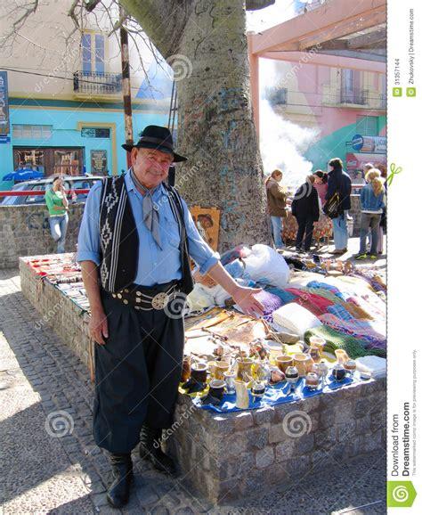 Souvenir Argentina Magnet Kulkas Buenos Aires vendor dressed as gaucho offers souvenirs in la boca area of buenos aires editorial stock