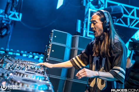 best of steve aoki mtv cribs premieres on snapchat with the help of steve aoki