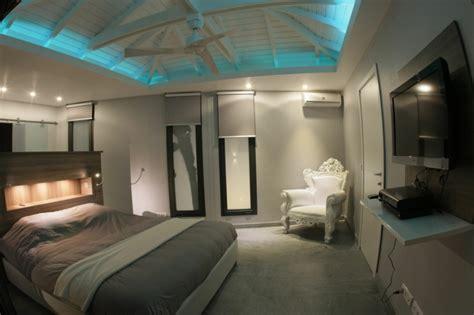 Led Lichtleisten Küche by Schlafzimmer Massivholzbrett Beleuchtung Indirekt