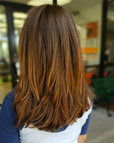 common mediumlength hair styles back views medium layered hair back view www pixshark com images