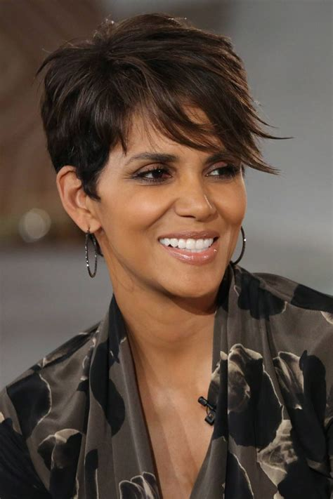 how to get y pixie like halle berrys best 25 halle berry pixie ideas on pinterest halle