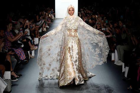 design fashion new york new york fashion week anniesa hasibuan designer showcases