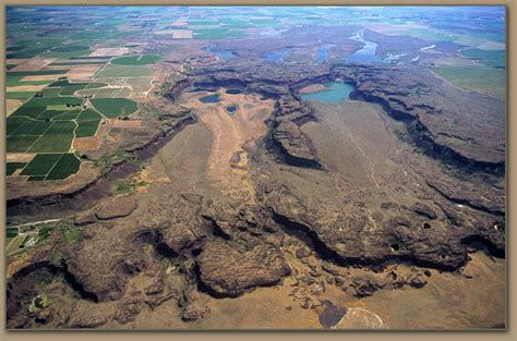the channeled scablands of eastern washington the geologic story of the spokane flood classic reprint books channeled scabland eastern washington age floods lake