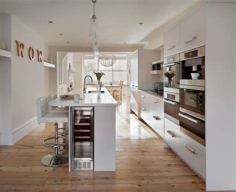 linear kitchen harvey jones linear kitchen www harveyjones com our
