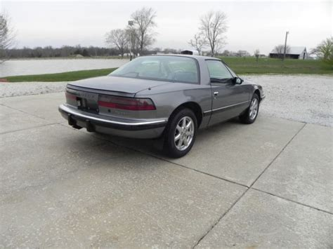 2 seater buick 1988 buick reatta 2 seater gray on gray