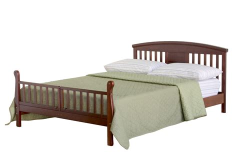 todler bed davinci elizabeth ii convertible toddler bed in cherry m0810c