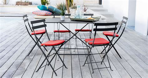 bistro timeless french folding chair  cheerful