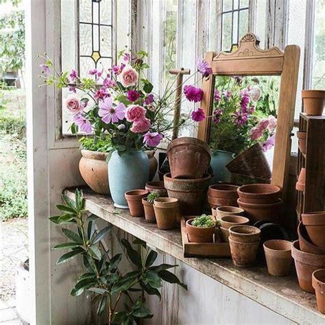 stile cottage come creare un giardino in stile cottage la figurina