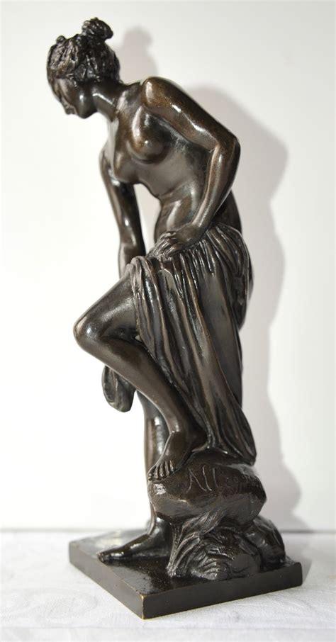 au bain antiques atlas bronze venus au bain by