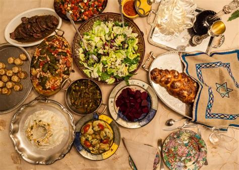 Come With Me Hanukkah Luncheon Ae The Look by Shabbat Dinner With Some Of The Last Members Of S