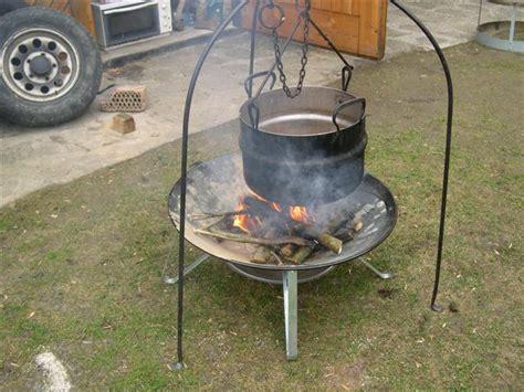 feuerschale baumax gemauerte feuerstell f 252 r do gulaschkessel und offene