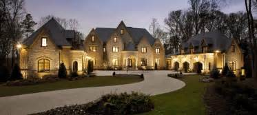 Luxury Home top 5 reasons everyone needs a luxury home specialist