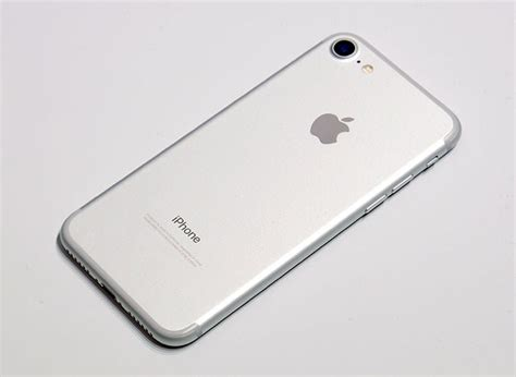 Best Price Iphone 7 Plus 128gb Silver Bnib Garansi Apple 1 Tahun iphone 7 colors black jet black gold gold silver photo gallery priceoye