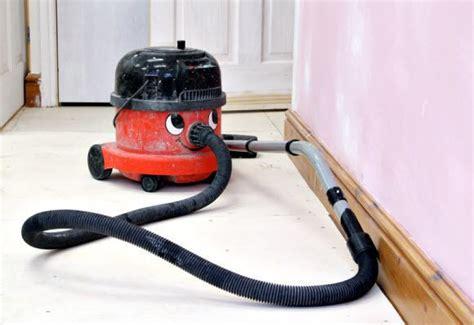 how to vacuum how to clean a vacuum 187 how to clean stuff net
