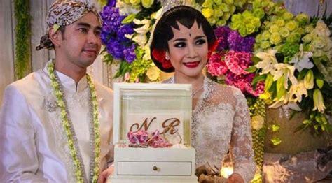 biography raffi ahmad dalam bahasa inggris raffi nagita rayakan ultah pernikahan netizen sindir