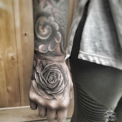 body tattoo in hand body tattoo s rose tattoo on hand tattooviral com