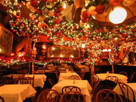 5 festively decorated nyc restaurants in new york