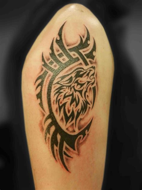 spirit animal tattoos tribal wolf tatt tribal wolf wolf tattoos