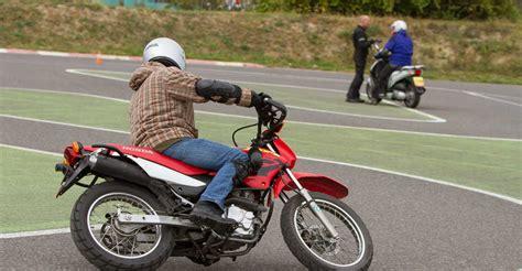 Motorrad Führerschein Beschränkungen by Motorrad 125er B Schein Fahrtechnik