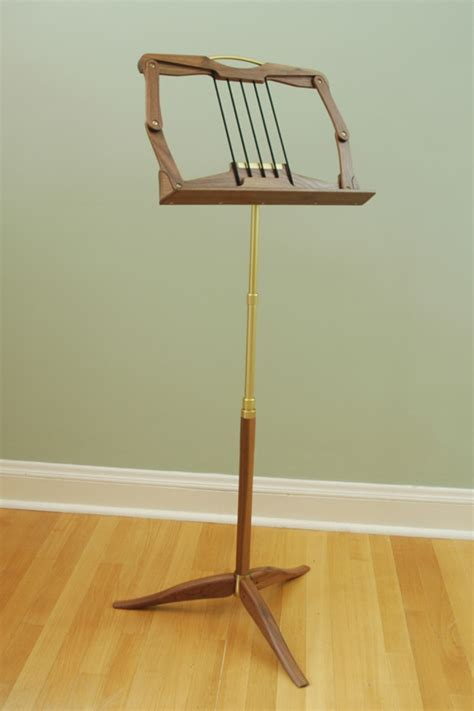 folding wooden  stand plans   build  easy