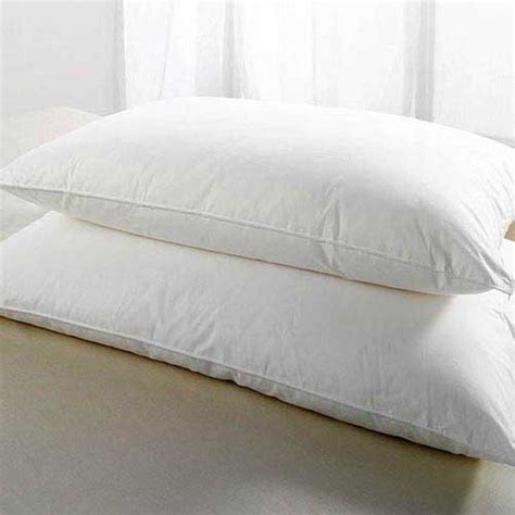 What Pillows Are Used In Hotels by Hotel Pillows Deluxe Hollowfibre Filled 26oz 740g