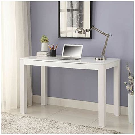 Big Lots Vanity by 59 What Big Lots Desk Looks Just Like The Popular Ikea Vanity Tables Parsons White Finish