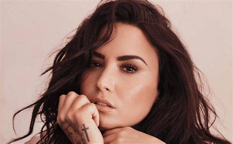 demi lovato sober twitter after six years demi lovato reveals she s no longer