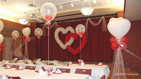 balon dekorasi banyak pesta banyak rezeki