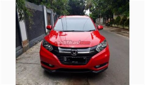 Honda Hrv E Cvt 1 5 2016 honda hrv e cvt 1 5 merah thn 2016 condition