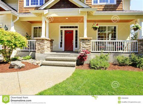 Design Classics Home Garden Inc by Esterno Dell Entrata Di Fronte Della Casa Americana
